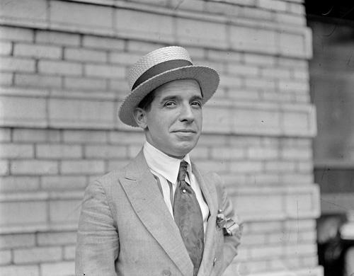 3-Charles-Ponzi-1882–1949